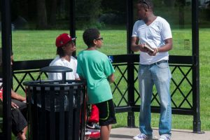 Brad_Ministering_at_Bus_Stop_DSC2978